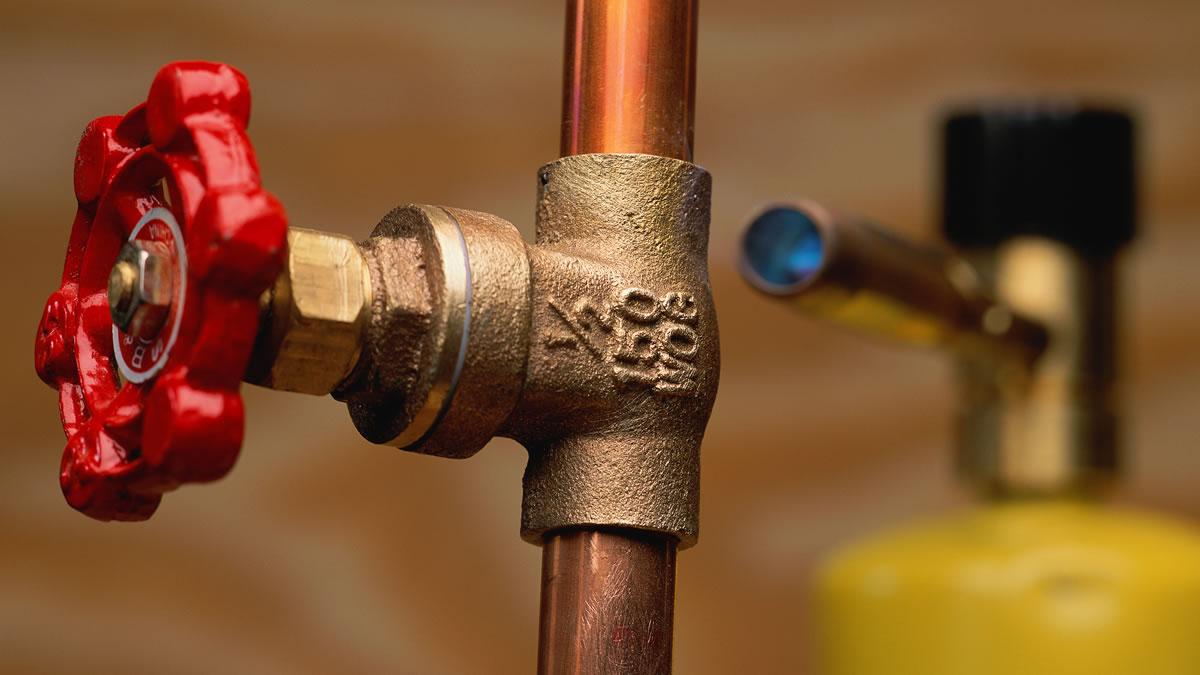 Como descobrir vazamento de água em Curitiba